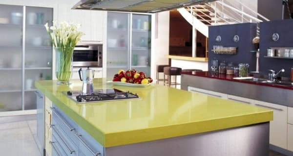 pedra amarela para ilha na cozinha