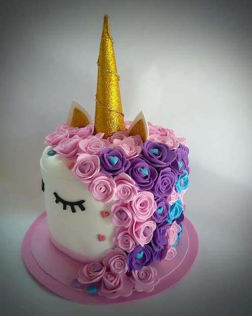 bolo com flor em eva