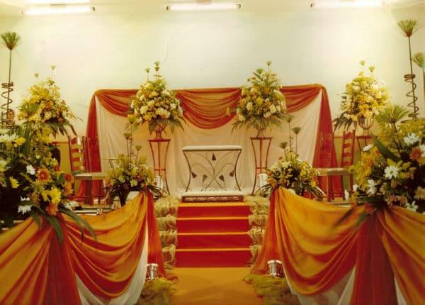 Decoração-de-Igreja-Evangélica-com-muitas-flores