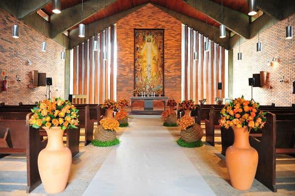 Decoração-de-Igreja-Evangélica-com-vasos-decorativos